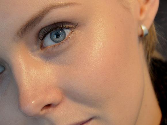ELF shimmering facial whip