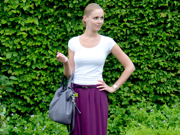Outfit: purple skirt