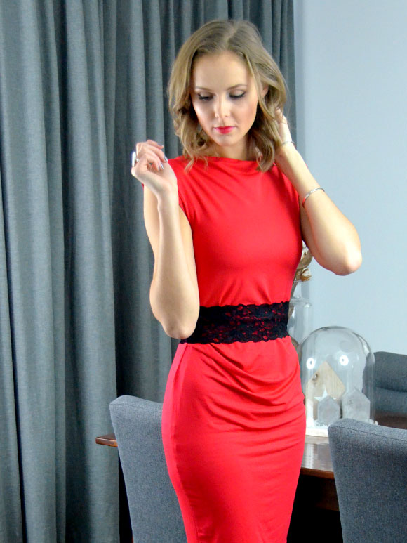 Outfit: Christmas red