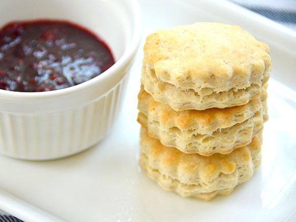 Makkelijke scones met suikervrije jam