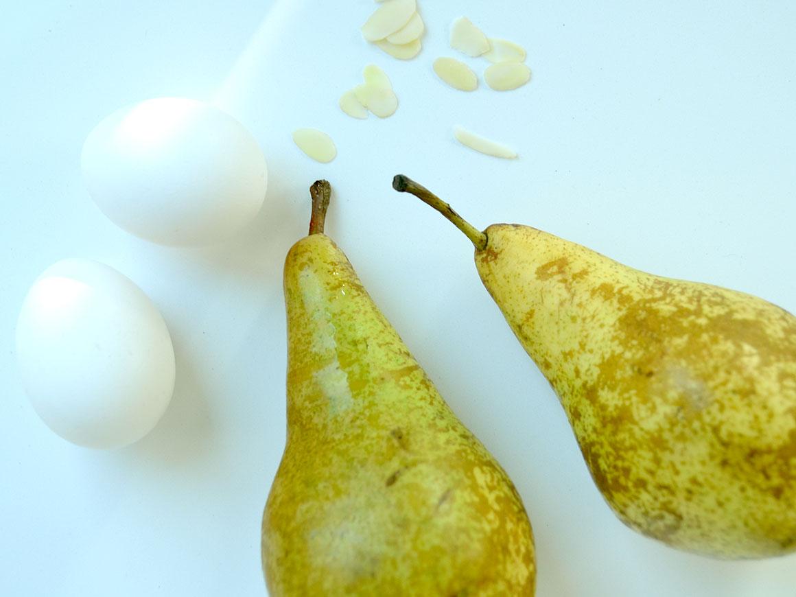 Pavlova met gekarameliseerde peer
