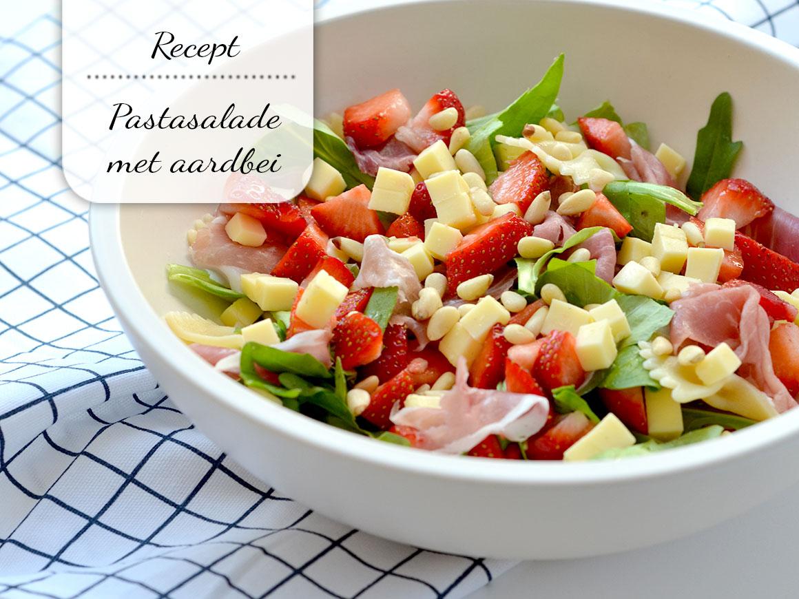 Zomerse pastasalade met aardbei