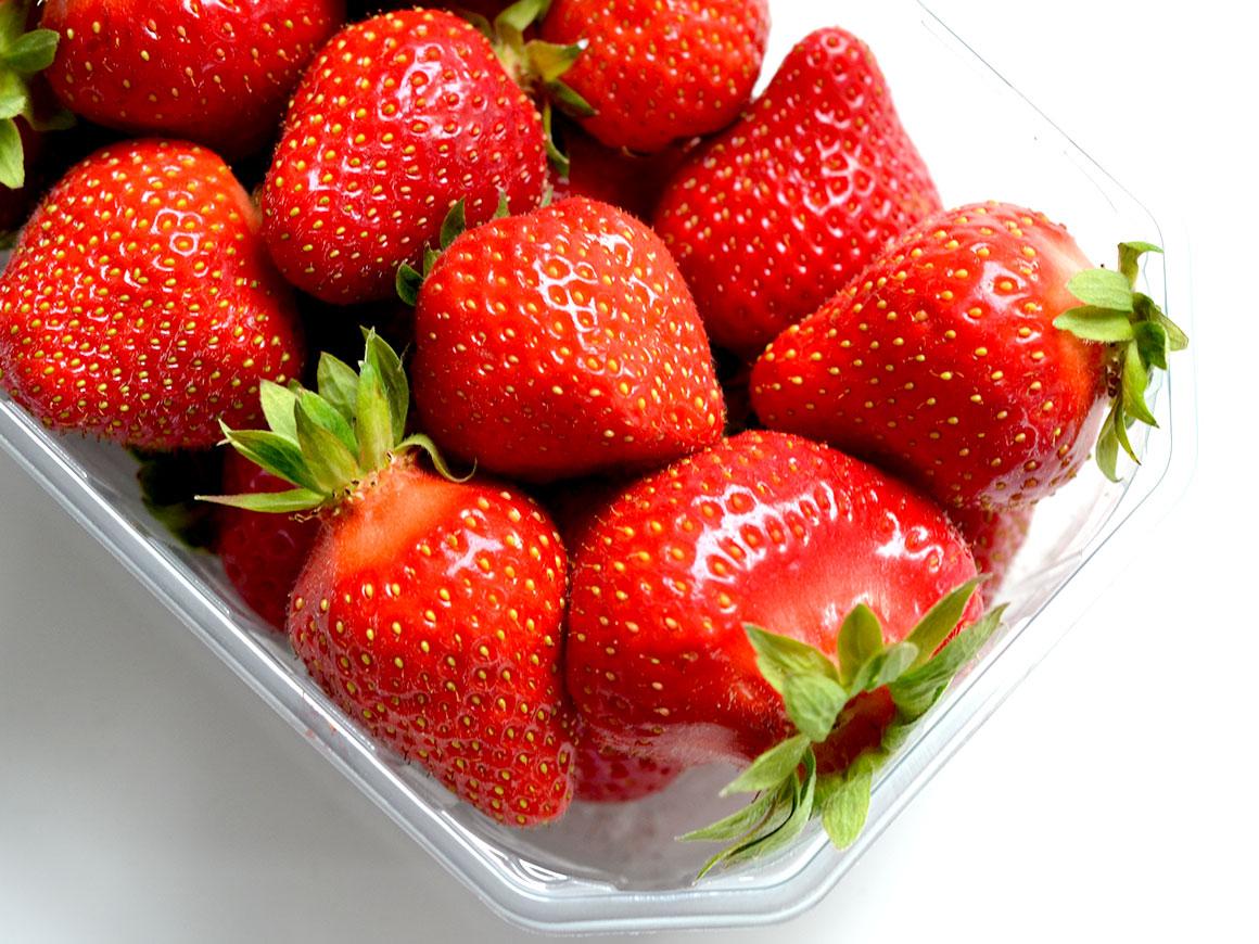 Zelfgemaakte aardbeienlimonade