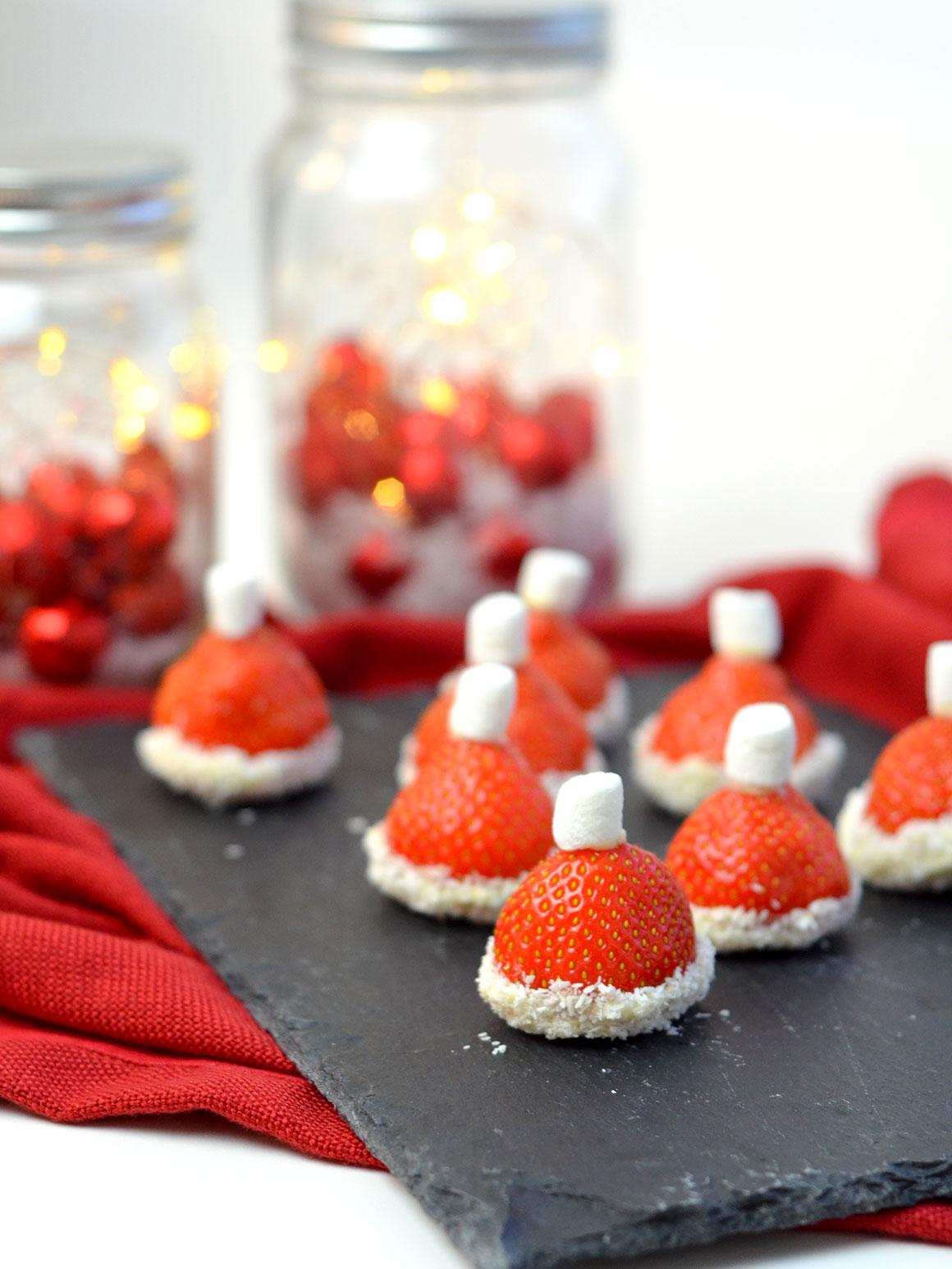 Kerstmutsjes van aardbeien