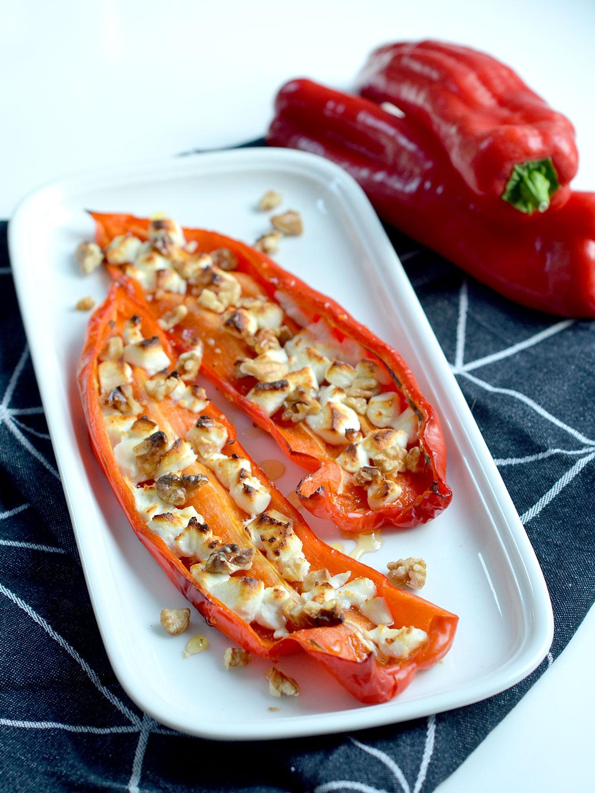 Bijgerecht: Paprika's met geitenkaas