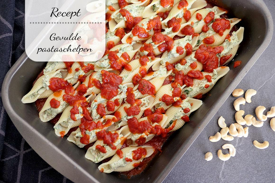 Gevulde pastaschelpen met spinazie en tomatensaus (vegan/vega)