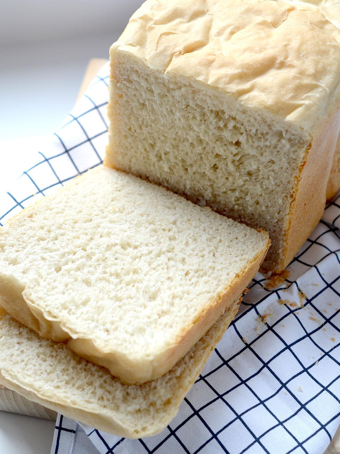 Lekker wit brood uit de broodbakmachine